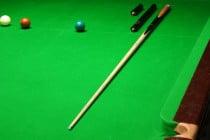 Snooker-Queue mit Zubehör